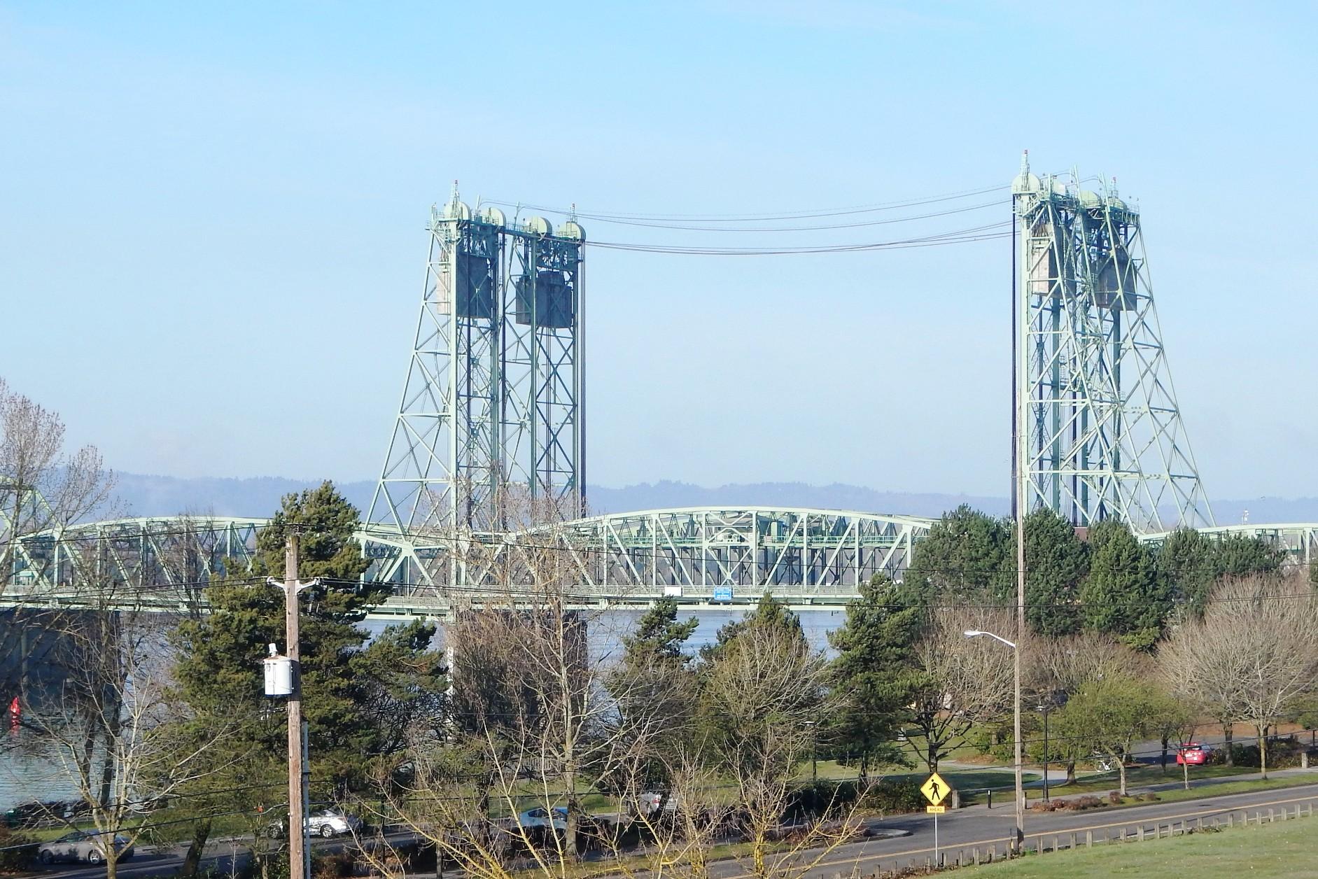 When the I-5 Bridge Lifts